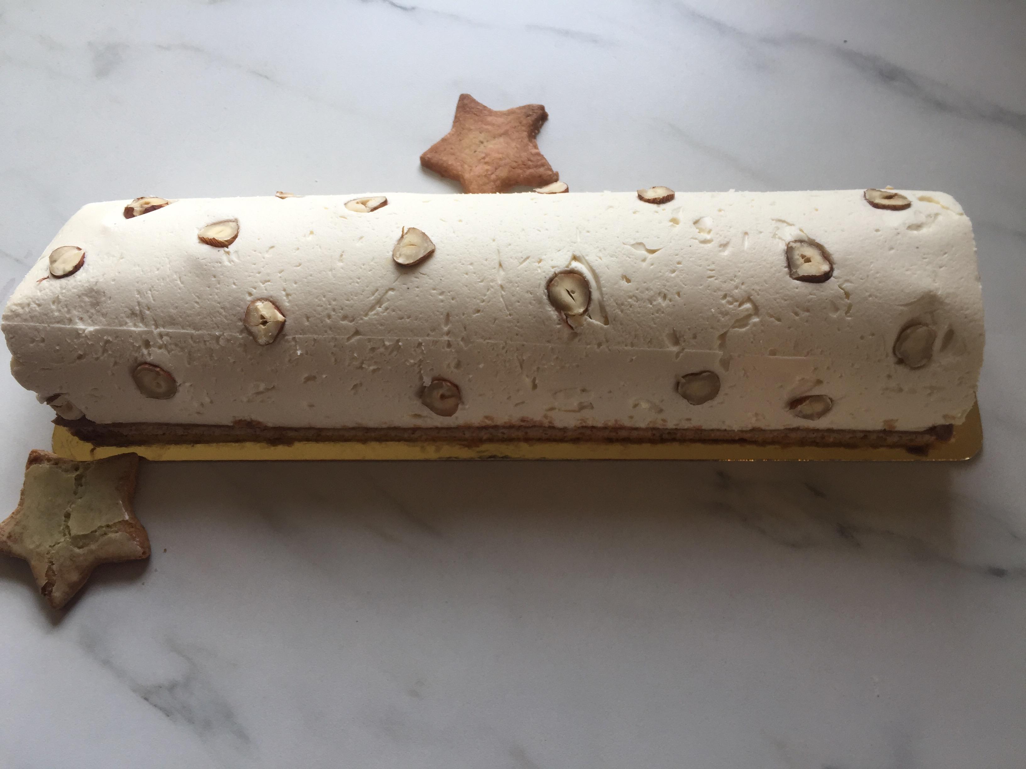 Bûche Chocolat Blanc, Noisette et Yuzu